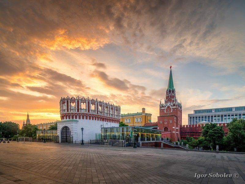 москва, утро, кремль, кутафья башня, троицкая башня На рассветеphoto preview