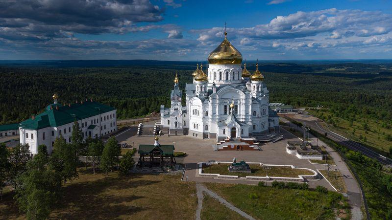 Белогорский Свято-Николаевский миссионерский мужской монастырьphoto preview