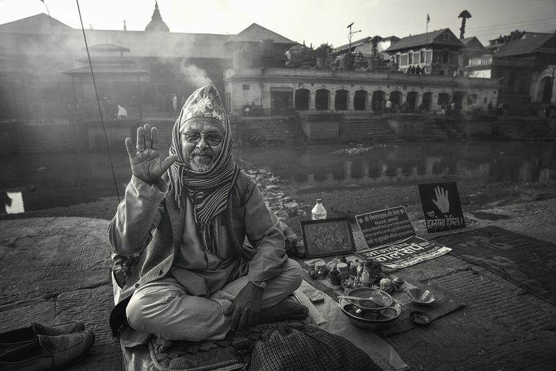 fortune teller,  pashupatinath temple, nepal Fortune Tellerphoto preview