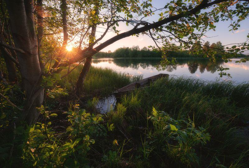 пейзаж,лодка,отражение,озеро Летний вечерphoto preview