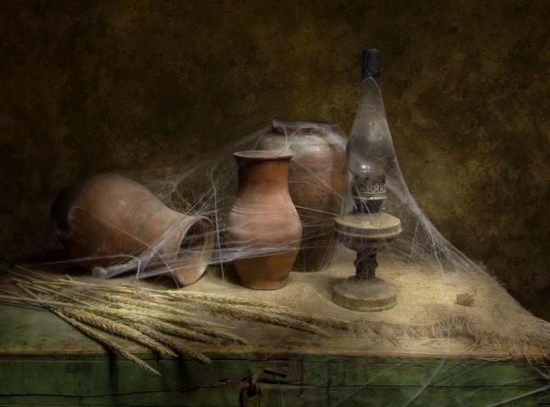 натюрморт, сундук, горлач, кувшин, керосинка В старом чулане... фото превью