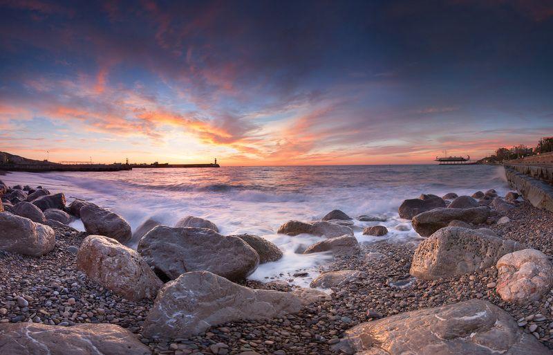 крым, ялта, набережная, пейзажи крыма, набережная ленина, ялтинский маяк, фотограф ялта, черное море Ялтинская Набережнаяphoto preview