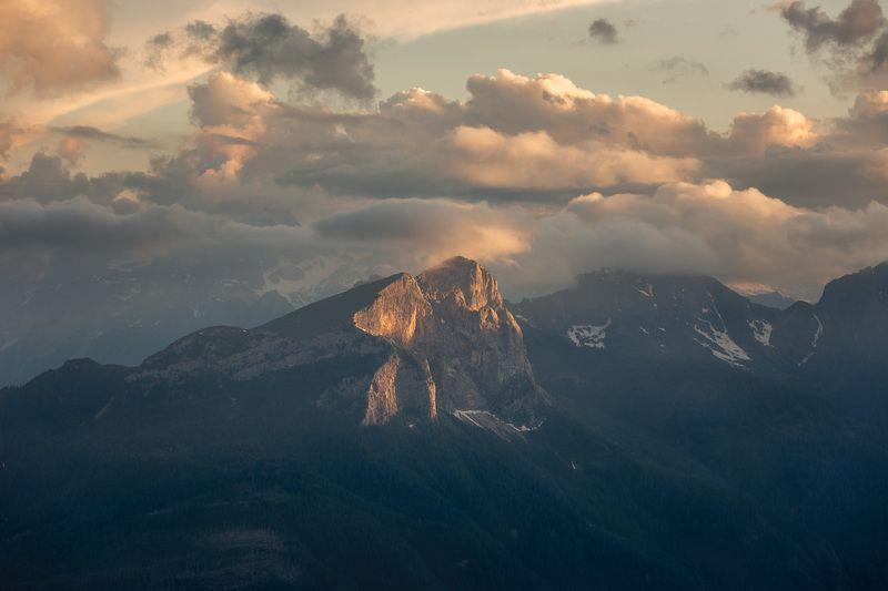 италия, доломиты, горы, облака, закат, лето, природа, landscape, italy, dolomites Последние лучи уходящего солнца.photo preview