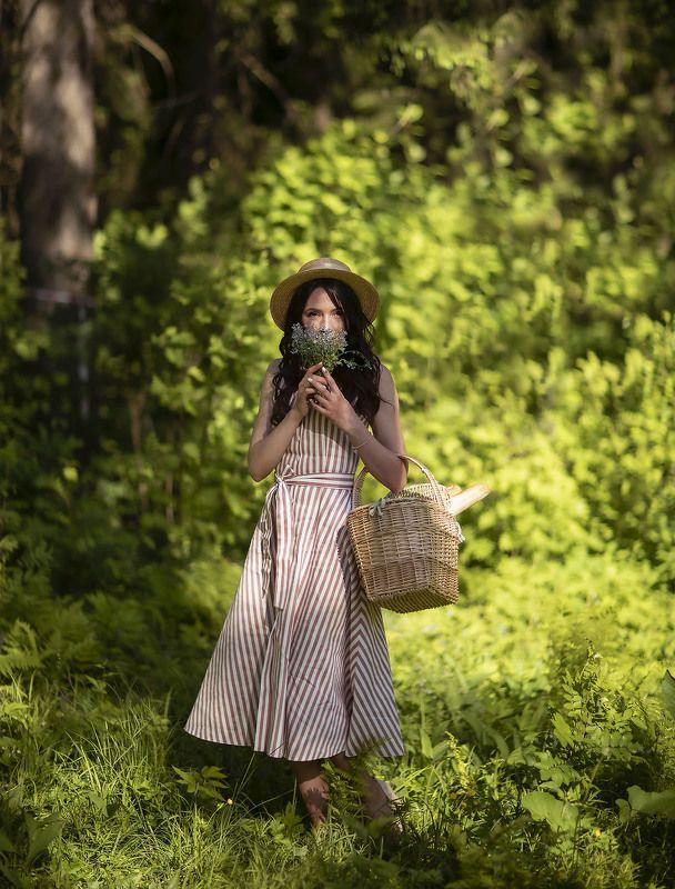 девушка,лес,цветы,прогулка,лето,красота,природа, girl, woodland, summer, nature, flower Лесная прогулкаphoto preview