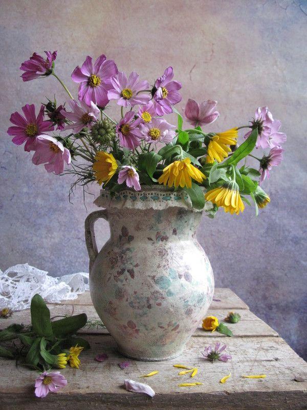 цветы, букет, космея, календула Желто - розовый букетикphoto preview
