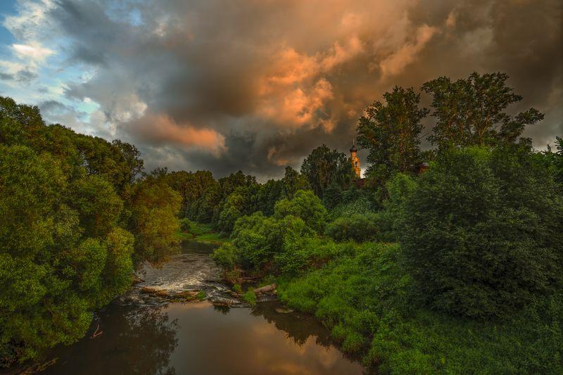 вечер,закат,река,небо,облака,тучи,отражение,церковь,киржач на закатеphoto preview