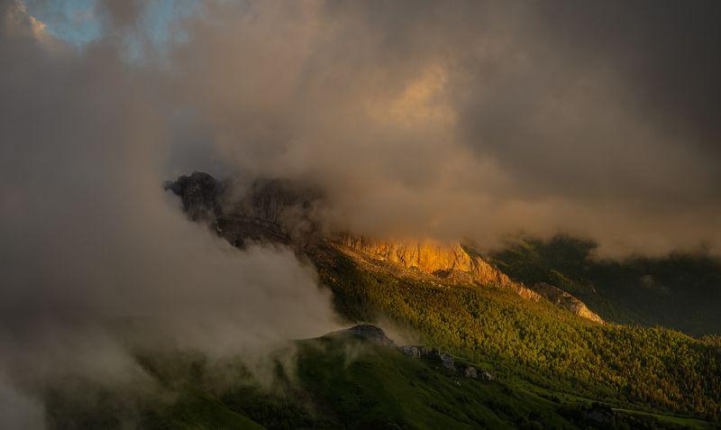 Кавказ, Большой Тхач, Ачешбок, туман Западный Ачешбокphoto preview