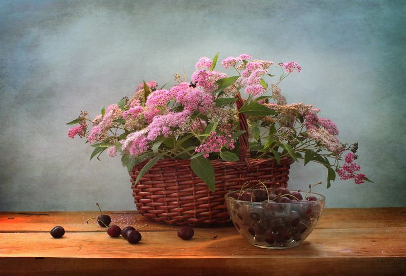 натюрморт, лето, цветы, корзина, черешня С черешнейphoto preview
