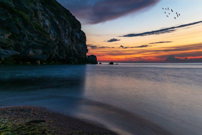 море ,берег ,скалы ,ночь ,пляж .генеральские пляжи , керчь Провожая деньphoto preview
