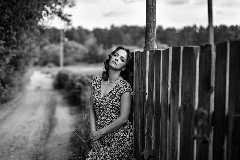 портрет,  женский портрет, лето, июнь, чб, река, лодка, вдохновение, прогулка, фотосессия, фотограф в житомире, фотограф в киеве, коростышев, украина, Иринаphoto preview