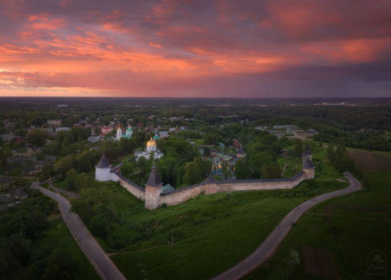 печоры, монастырь, закат, псков Закат в Печорахphoto preview