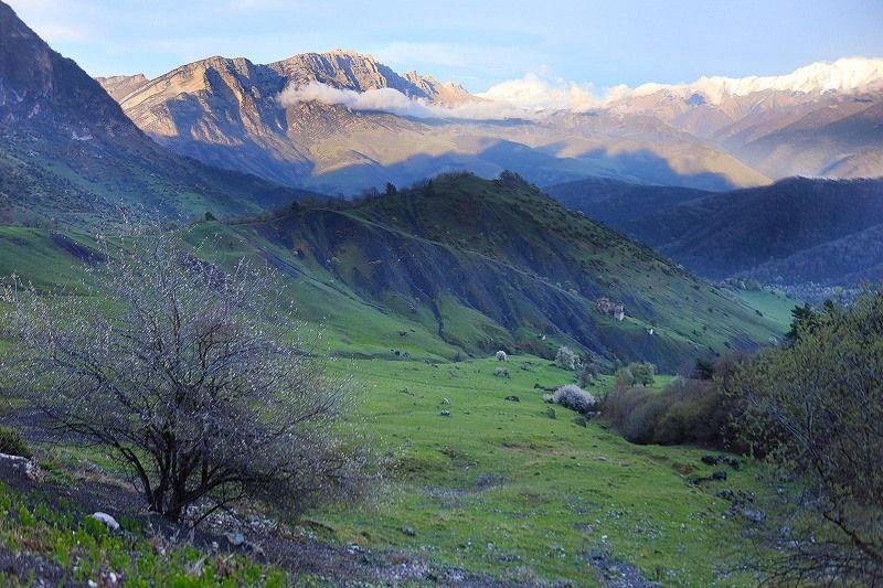 Ингушетия, Кавказ, горы, Скалистый хребет, перевал Цей-Лоам Закат на Скалистом хребтеphoto preview