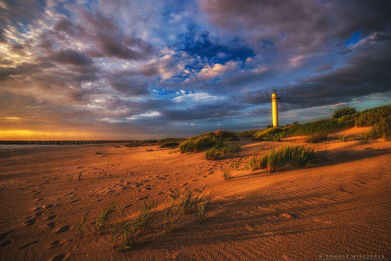 landscape, poland, light, summer, awesome, amazing, sunrise, sunset, lovely, nature, travel, evening, beach, sand, baltic, sea On the beach фото превью