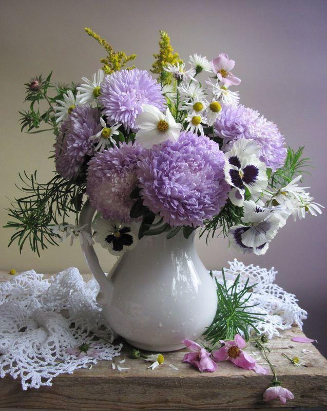 цветы, букет, астры, хризантемы, космея, анютины глазки  С сиреневыми астрамиphoto preview