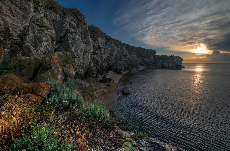 Море ,бухта , берег .скалы .закат ,Керчь ,генеральские пляжи Вечер в бухте photo preview