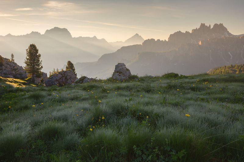 италия, доломиты, горы, облака, восход, природа, landscape, italy, dolomites, golden hour, golden light, sunrise Утроphoto preview