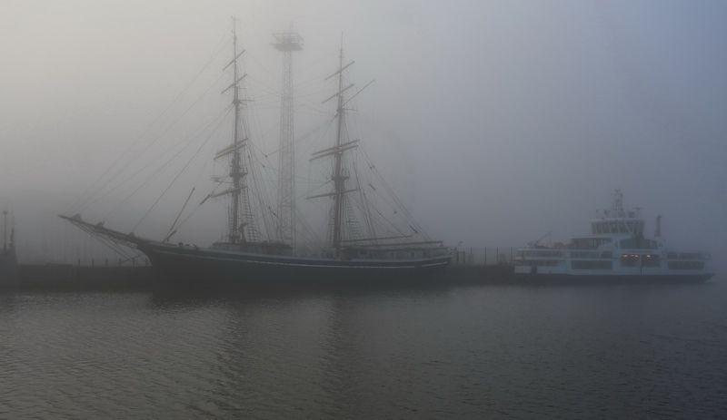 Туманно на рейдеphoto preview
