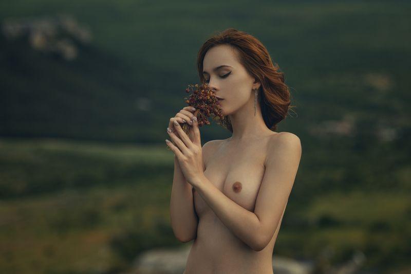 девушка, модель, ню Земляникаphoto preview