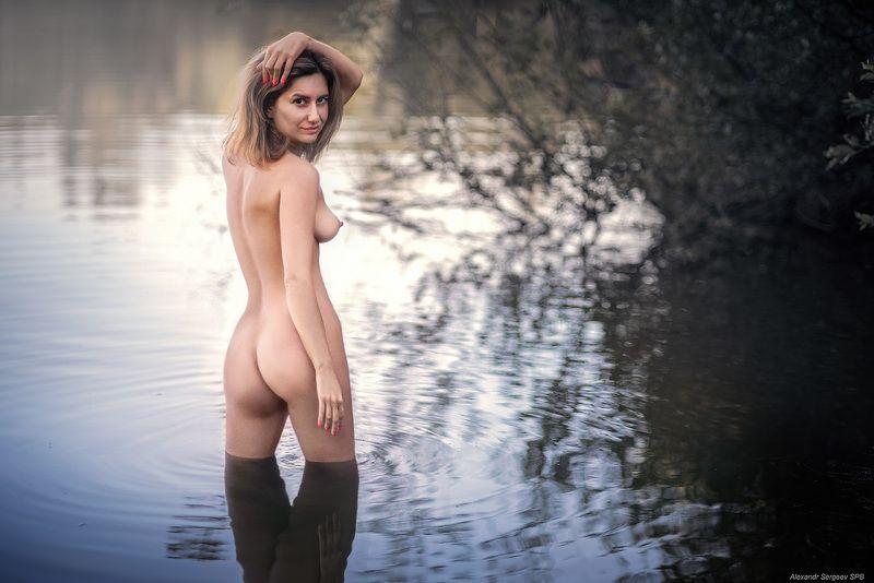 девушка,обнажённая,красота,нежность,гармония,настроение,озеро,наяда,нимфа,купальщица Наядаphoto preview