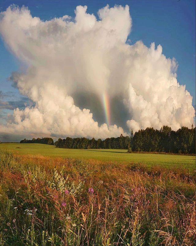 небо, радуга, облака Черная дыраphoto preview