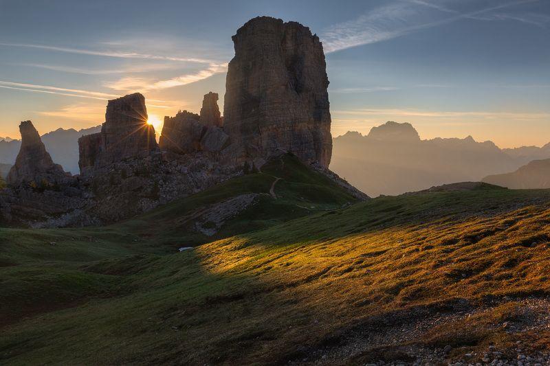 италия, доломиты, горы, облака, восход, природа, landscape, italy, dolomites, golden hour, golden light, sunrise Пять башен.photo preview