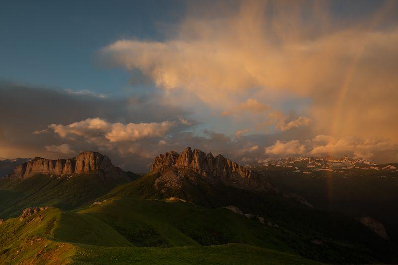адыгея, большой тхач, кавказ, горы, пейзаж, рассвет, утро Перевал Чертовы воротаphoto preview