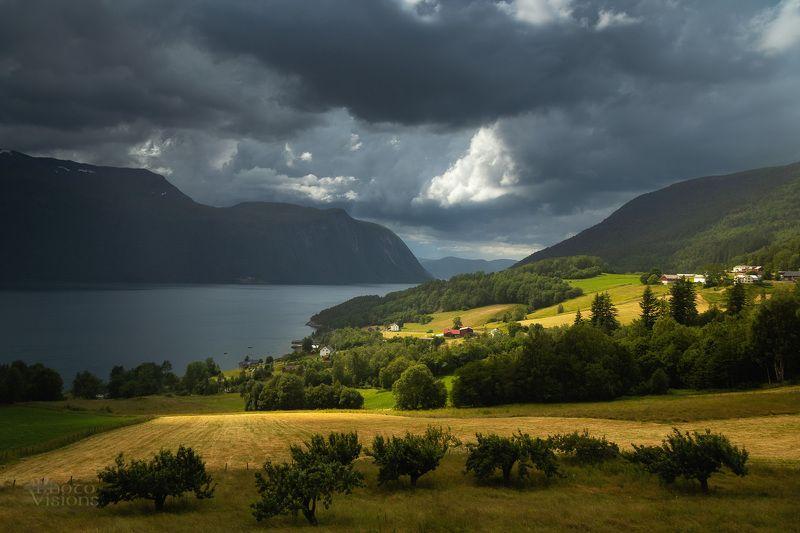 norway,summer,storm,stormy,light,valley,fiord,mountains,rural,eresfjorden, Eresfjorden фото превью