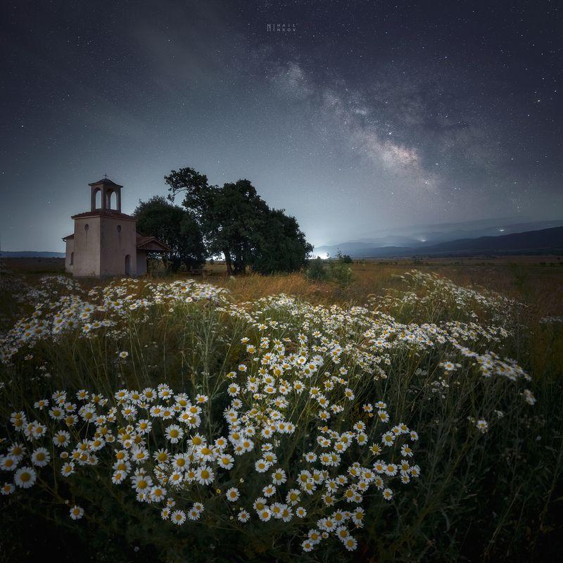 Параклисъ Св. Петър и Павел край село Ковачевци, Българиаphoto preview