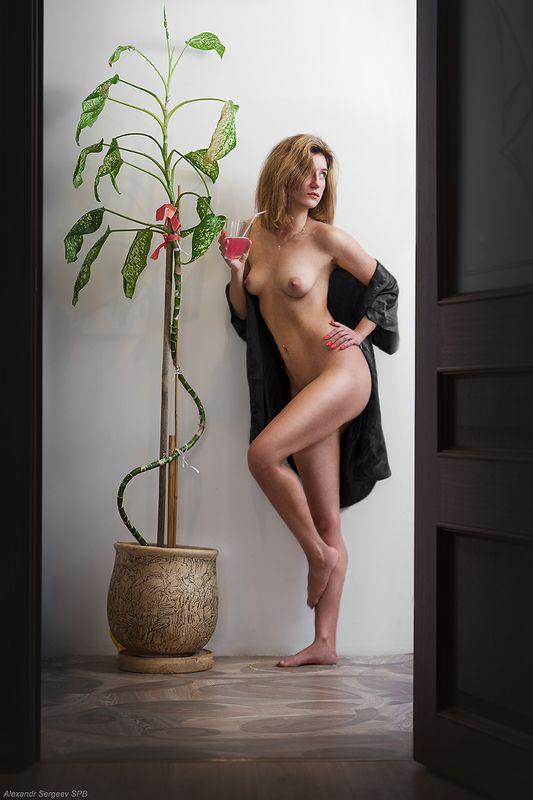 девушка,обнажённая,красота,нежность,гармония,настроение,цветок,домашнее,отдых,жара,шутка Тропики в отдельно взятой квартиреphoto preview