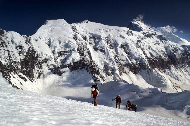 пик четырех, пик коммунизма, памир, таджикистан, альпинизм Тяжелый подъемphoto preview