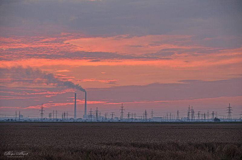 июль, поле, закат, небо, облака, тепловая электростанция Индустриально-полевой пейзажphoto preview