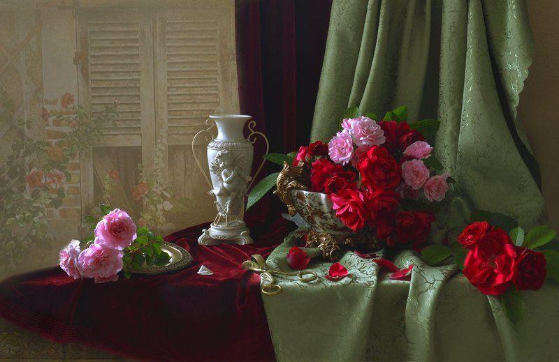 За красоту мы любим розы...