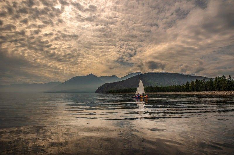 Озеро ,вода ,вечер ,парусник ,Байкал Вечер на Байкалеphoto preview