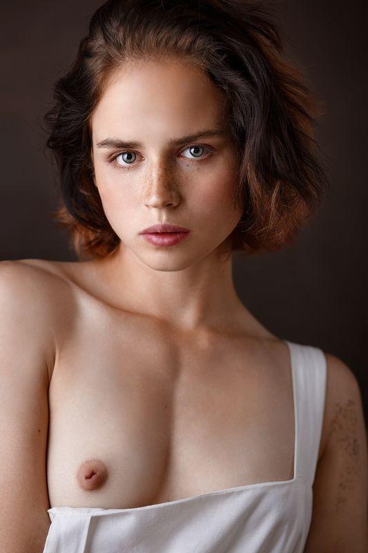 портрет девушка Илария фото превью