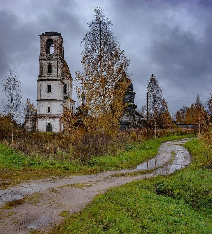 деревня, архитектура, осень, церковь Осенняя Ухтомаphoto preview