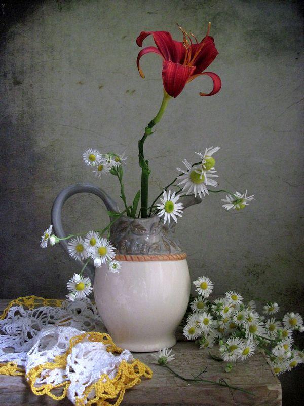 цветы, букет, ромашки, лилейник, кувшин, керамика, салфетка Лилейникphoto preview