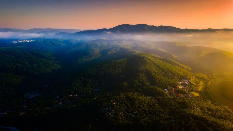 Кавказские горыphoto preview