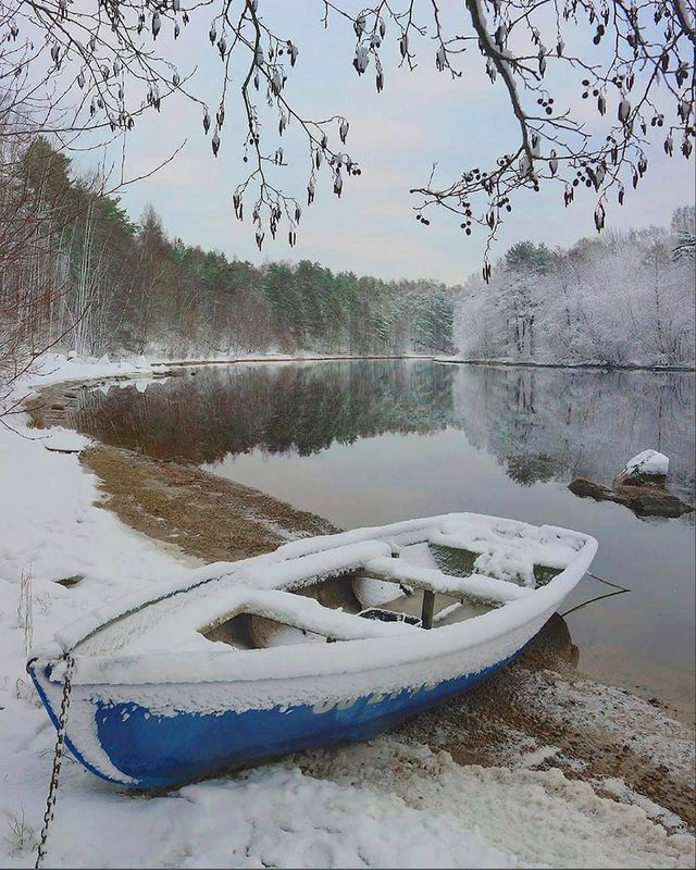 лодка, зима, снег, утро, река Январское утроphoto preview