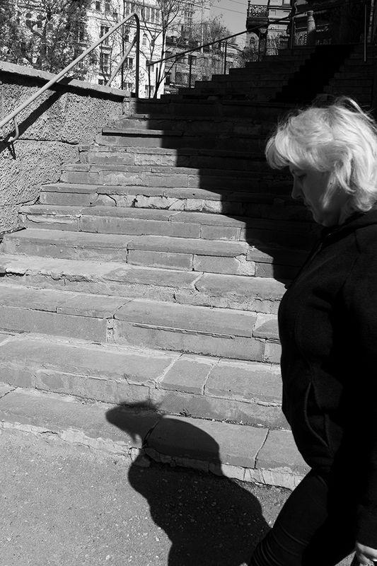 street, bw, jenre, motion, real life, shadows, *photo preview