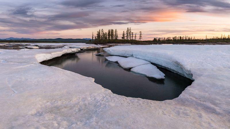 якутия, саха, россия, лето, лёд, река, сумерки, панорама, природа, пейзаж, yakutia, sakha, russia, summer, ice, river, dusk, panorama, nature, landscape Большая Момская наледьphoto preview