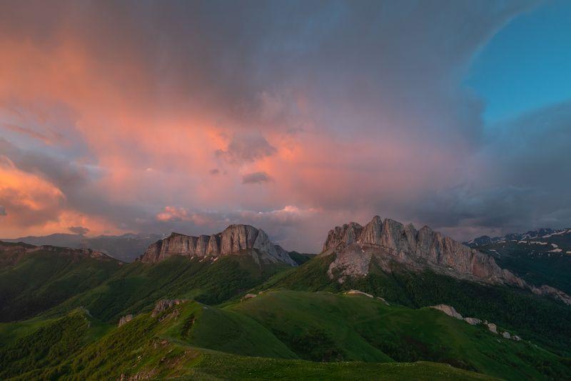 адыгея, большой тхач, кавказ, горы, пейзаж, рассвет, утро Рассвет над Ачешбокамиphoto preview