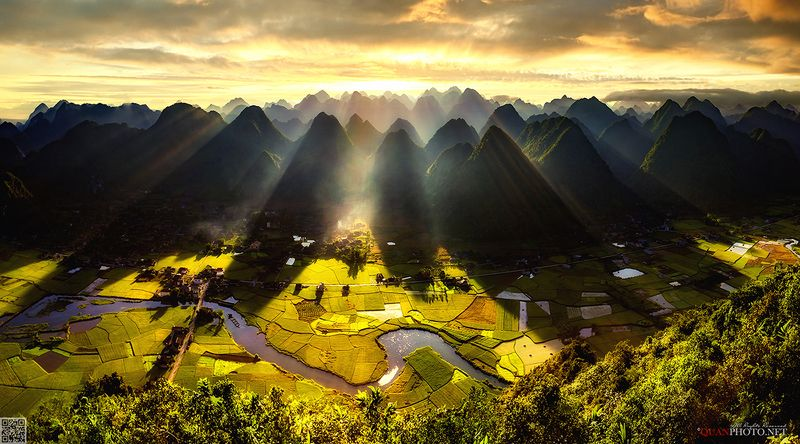 quanphoto, landscape, sunrise, dawn, morning, sunlight, rays, valley, rice, river, rural, village, golden, harvet, farmland, agriculture, panorama, vietnam Rice Valley at Dawnphoto preview