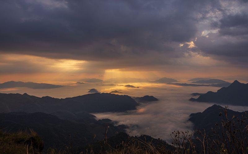 пейзаж, таиланд, пху чи фа, landscape, thailand, mountains Лучи надеждыphoto preview