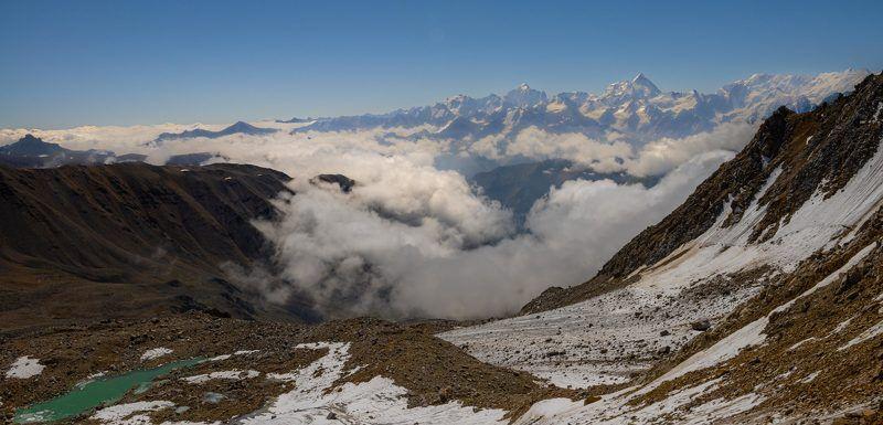 Вид на Безенги с плато Кумтюбе.photo preview