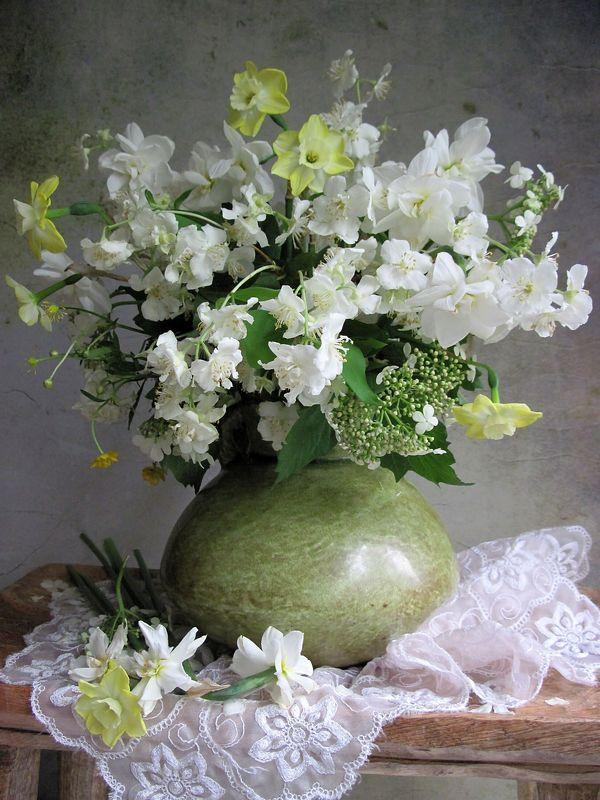 цветы, букет, жасмин, нарциссы, керамика Нежностьphoto preview