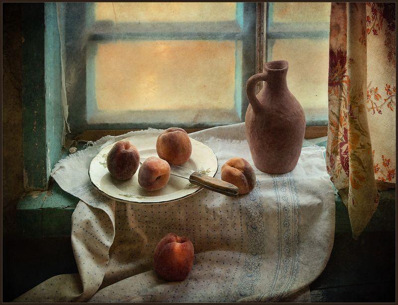 Натюрморт с персиками.. фото превью