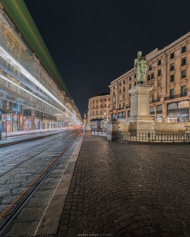 milan, italy, street, mood, cityscape Piazza Cordusio, Milanophoto preview