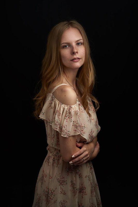 портрет девушка платье girl Portrait dress woman female studio light  Наталияphoto preview