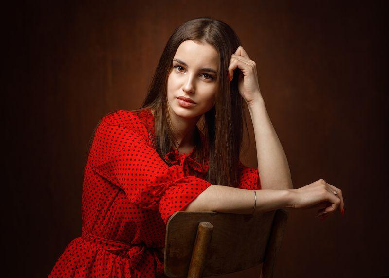 портрет, девушка Любовьphoto preview