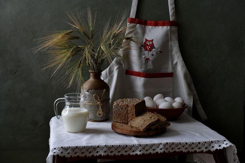 Still life, ears, milk, eggs, rye bread, nature, flora, apron,  Ржаной хлеб.photo preview